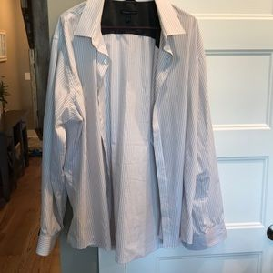 Can Heusen White and Gray Button Down Dress Shirt